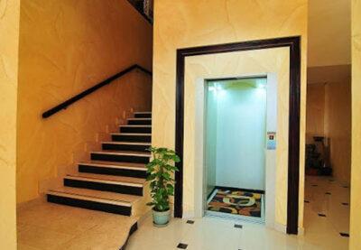 thang máy trong nhà